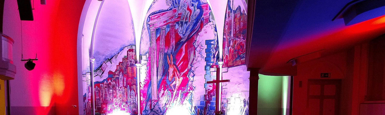 Friedenskirche in rot